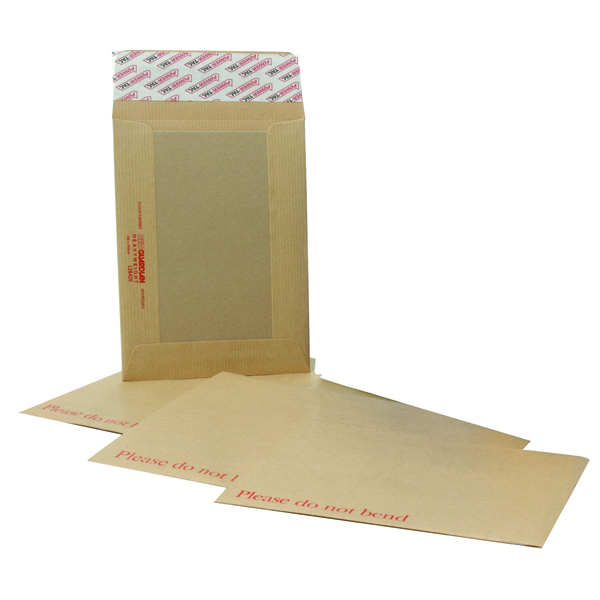 New Guardian Board Back C4 Envelopes 130gsm Manilla Peel and Seal (Pack of 125) H26326