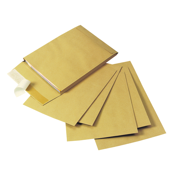 Q-Connect Gusset Envelope 305x254x25mm 120gsm Manilla Peel and Seal (Pack of 100) KF3526