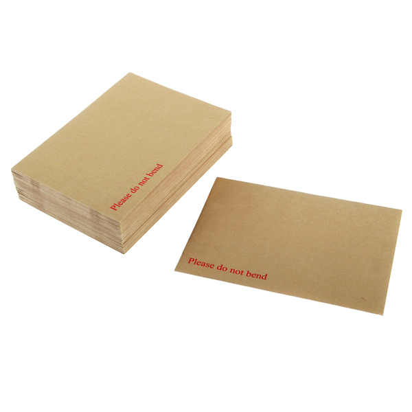 Image for Q-Connect Board Back Envelope 238x163mm 115gsm Peel and Seal Manilla (Pack of 125)